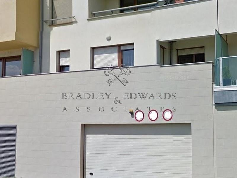 Budapest XIII. kerület Kiadó Garázs Cserhalom utca
