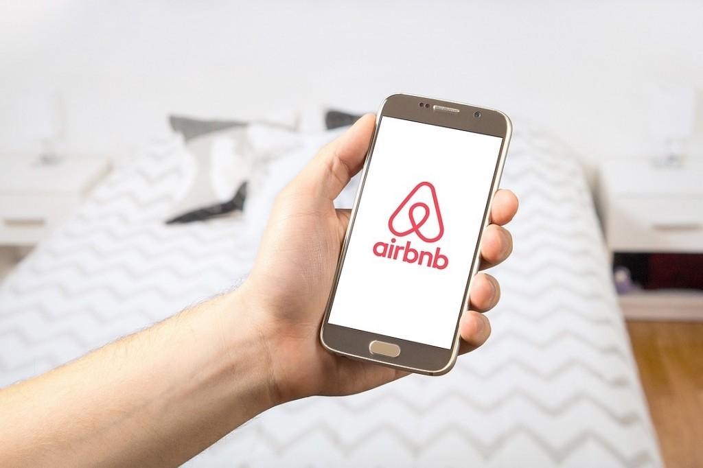 Kedvezőbb adófeltételeket hoz a január az Airbnb szolgáltatóinak